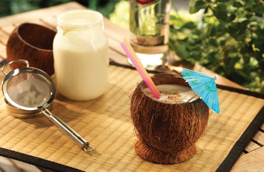 ... diy malibu coconut rum mix step 1 cracking the coconut diy coconut rum
