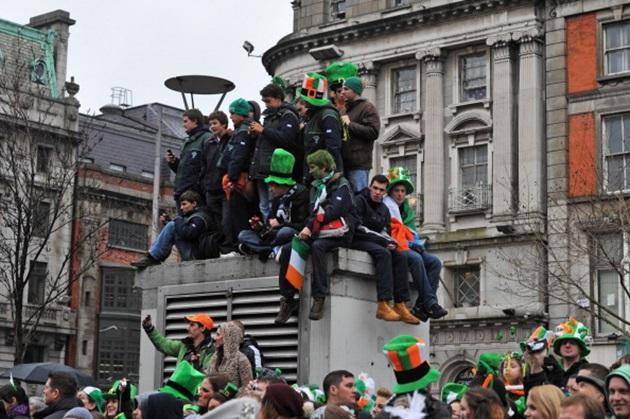 По этому поводу в столице Ирландии в эти дни находится несколько сотен тысяч туристов.