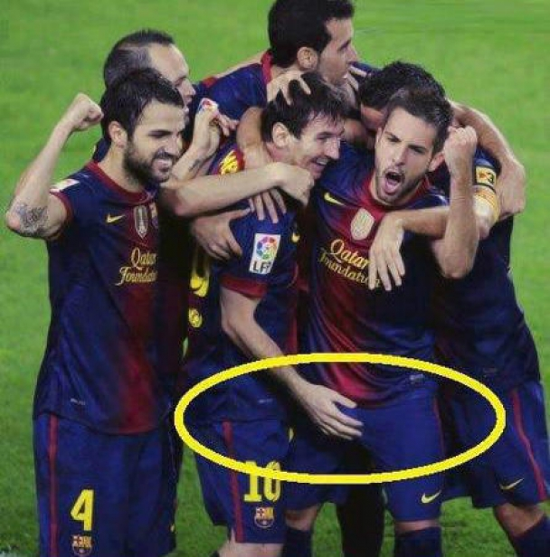 Pic of the Day: Messi drops the hand on Jordi Alba after