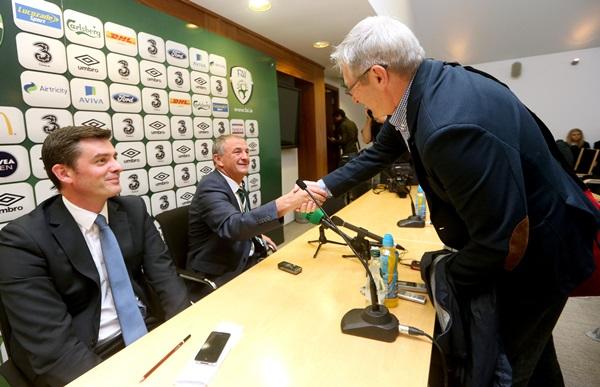 Noel King shakes hands with Tony O'Donoghue 16/10/2013