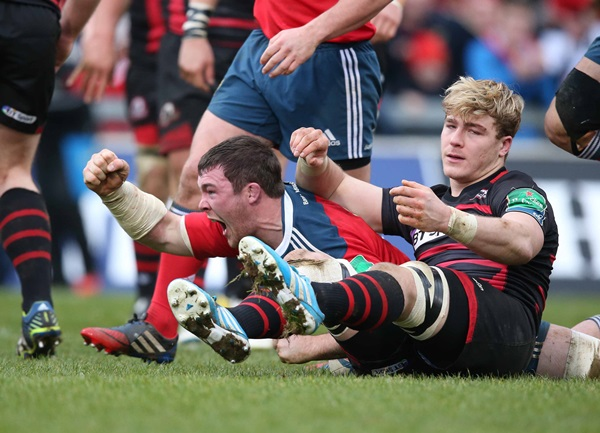 Peter O'Mahony celebrates scoring the bonus point try 19/1/2014
