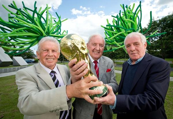 Bill O'Herlihy alongside John Giles and Eamon Dunphy 5/6/2014