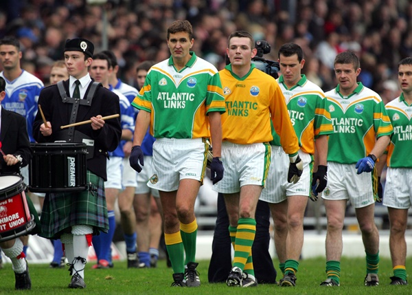 Maurice Fitzgerald leads the South Kerry team in the parade 7/11/2004