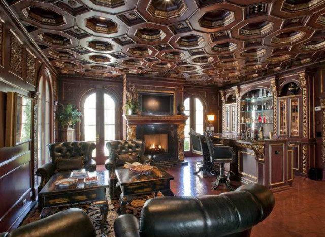 Pics: 5 of the slickest pubs people have built in their own houses ...