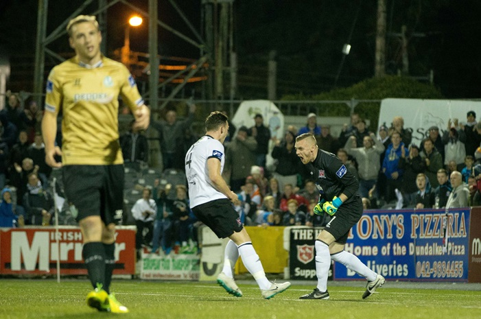 Dundalk goalkeeper Peter Cherrie celebrates with Andy Boyle after Shamrock Rovers' Ryan Brennan misses a penalty 13/10/2014