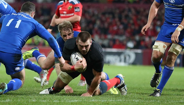 CJ Stander scores a try after losing his jersey 26/12/2014
