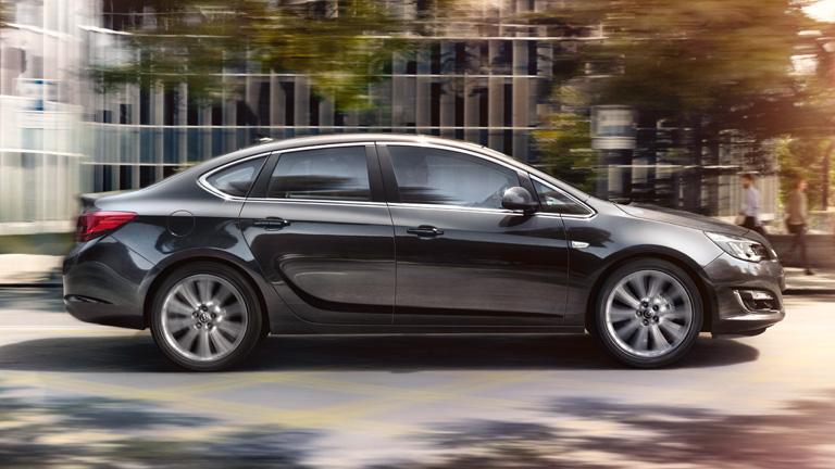 Opel_Astra_Notchback_Exterior_View_768x432_as14_e02_093