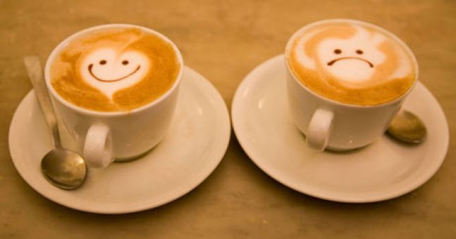coffee-cups-with-smiling-006