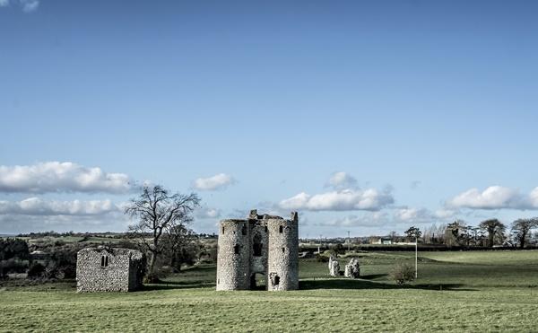 Ballyloughlin Castle