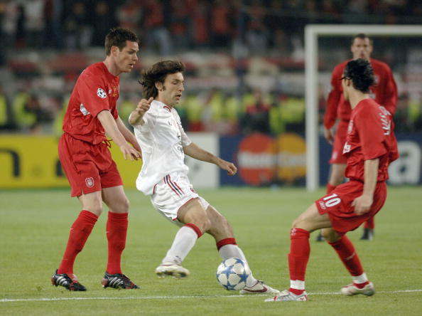 Sport, Football, UEFA Champions League Final, 25th May 2005, Ataturk Stadium, Istanbul, AC Milan 3 v Liverpool 3, ( Liverpool won 3-2 on penalties), Andrea Pirlo of Milan with Liverpool's Stephen Finnan and Luis Garcia  (Photo by Bob Thomas/Getty Images)