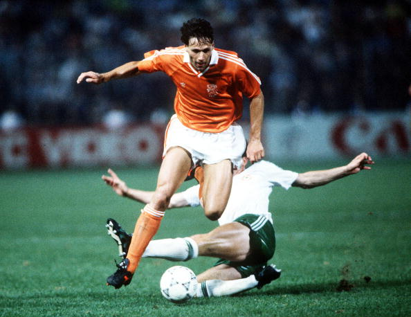 1990 World Cup Finals, Palermo, Italy, 21st June, 1990, Holland 1 v Republic Of Ireland 1, Holland's Marco Van Basten on the ball  (Photo by Bob Thomas/Getty Images)