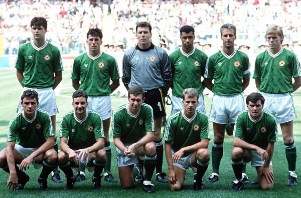 World Cup 1990 Republic of Ireland vs Romania The Ireland team ©INPHO/Billy Stickland