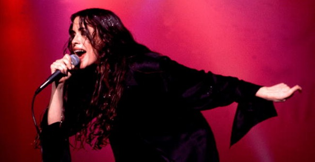 Alanis Morissette on 12/20/95 in Chicago, Il.   (Photo by Paul Natkin/WireImage)