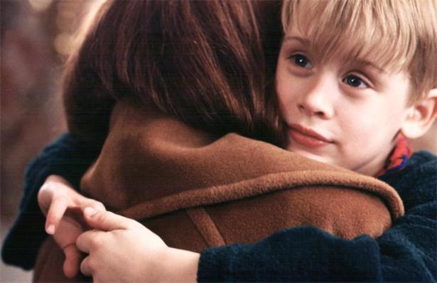 home-alone-hug