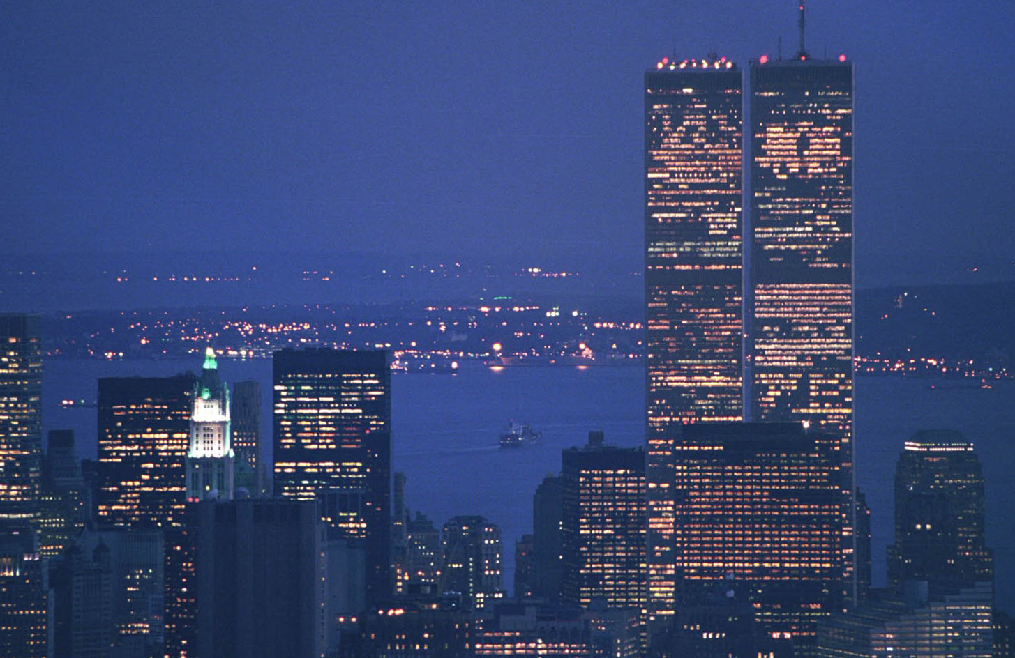 Twin_Towers_from_Empire_State_Building