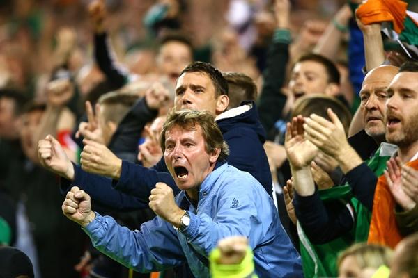 Ireland supporters celebrate 8/10/2015