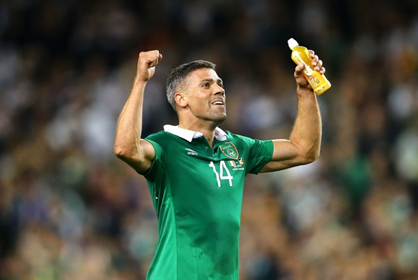 Jonathan Walters celebrates after the game 8/10/2015