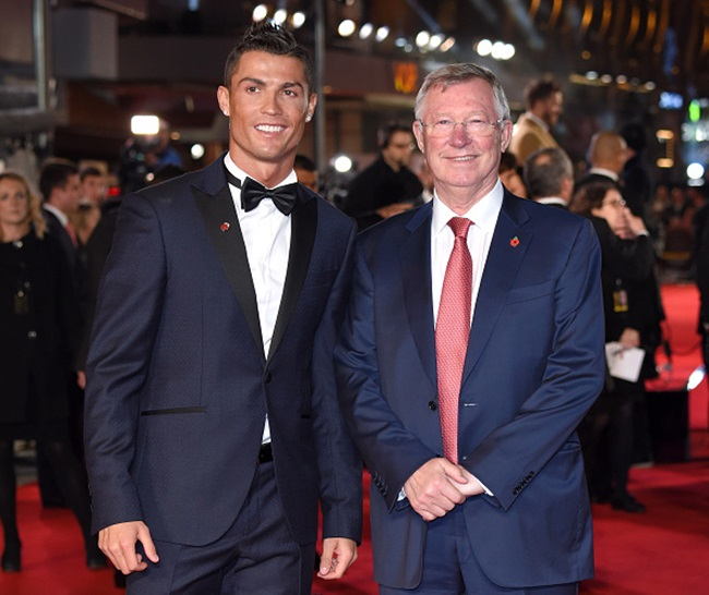 "LONDON, ENGLAND - NOVEMBER 09: Cristiano Ronaldo and Sir Alex Ferguson attend the World Premiere of ""Ronaldo"" at Vue West End on November 9, 2015 in London, England. (Photo by Karwai Tang/WireImage)"