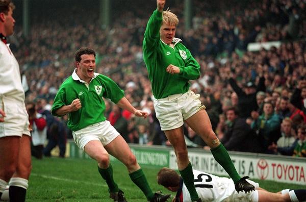 England V Ireland 19/2/1994 Simon Geoghegan scores a try © INPHO / Billy Stickland