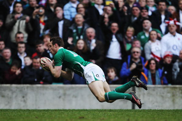 LONDON, ENGLAND - FEBRUARY 27: Tommy Bowe of Ireland scores a try during the RBS Six Nations match between England and Ireland at Twickenham Stadium on February 27, 2010 in London, England. (Photo by Hamish Blair/Getty Images)