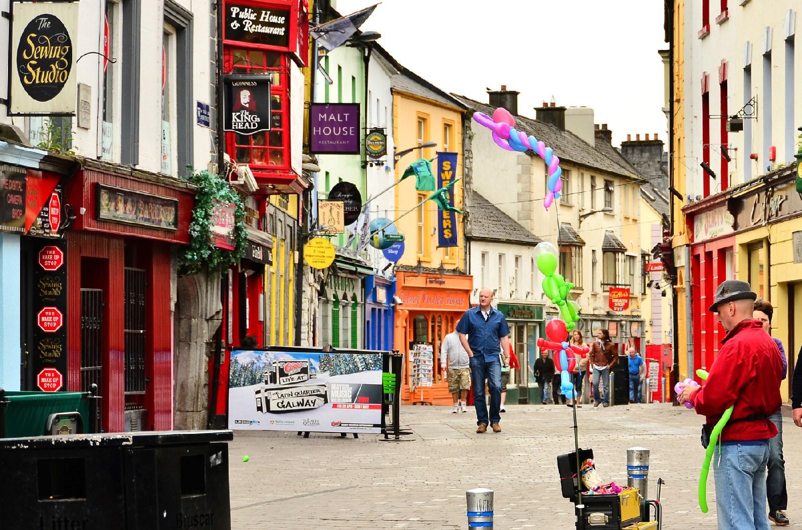Resultado de imagem para Galway city