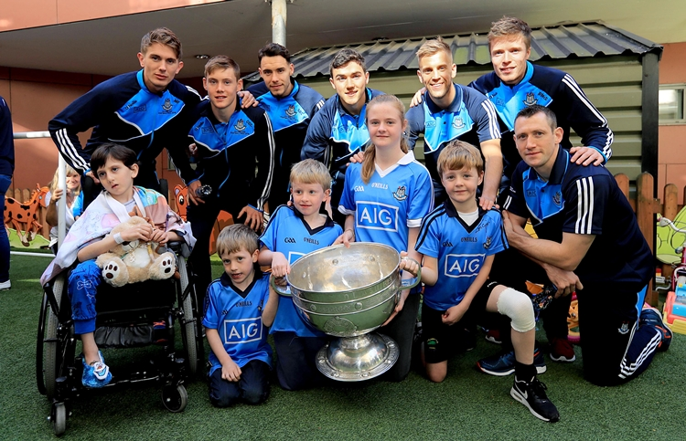 Dublin Senior Footballers Visit Crumlin Children's Hospital, Crumlin, Dublin 2/10/2016 Patient's from Crumlin Children's Hospital with members of the Dublin senior football panel Mandatory Credit ©INPHO/Donall Farmer