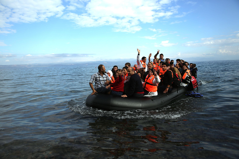 """Résultat de recherche d'images pour """"papers on refugees"""""""