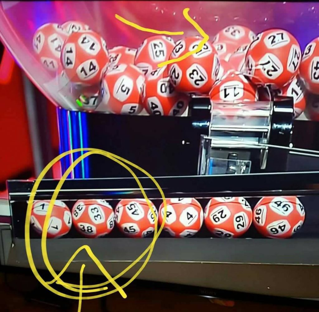 Lottery winning ball's two different numbers was trick of the light