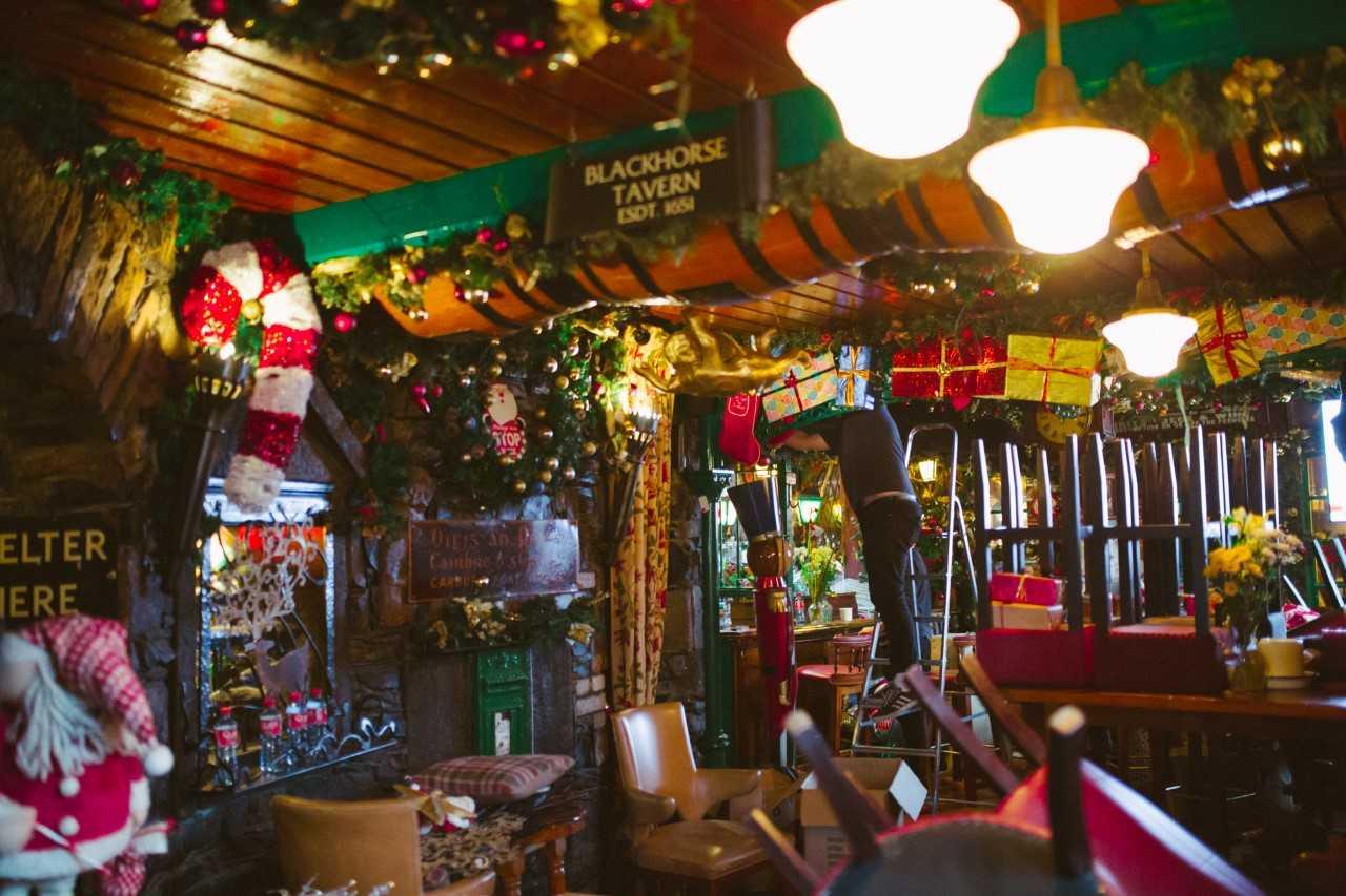 PICS: Dublin pub already has their Christmas decorations ...